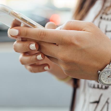 Mangeto Phone in Hand